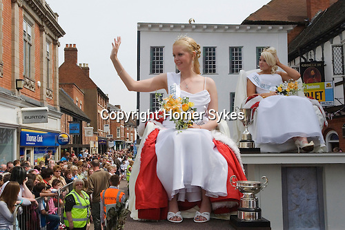 Lichfield Greenhill Bower. Bower Queen and Lady in Waiting. Lichfield Staffordshire, England. 2009.