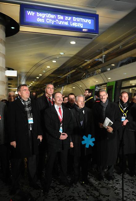 Eröffnung des Leipziger Citytunnel am Sonnabend (14.12.2013) - der erste Zug rollt mit einem Feuerwerk in der Station Hauptbahnhof ein. Foto: Norman Rembarz