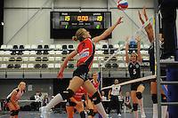VOLLEYBAL: GRONINGEN: Topsportcentrum Alfacollege, 27-10-2012, Eredivisie Dames, Eindstand 1-3, aanval Fenna Zeinstra (#3), ©foto Martin de Jong