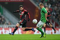 FUSSBALL   1. BUNDESLIGA   SAISON 2011/2012   19. SPIELTAG Werder Bremen - Bayer 04 Leverkusen                    28.01.2012 Gonzalo Castro (li, Bayer 04 Leverkusen) gegen Florian Hartherz (re, SV Werder Bremen)