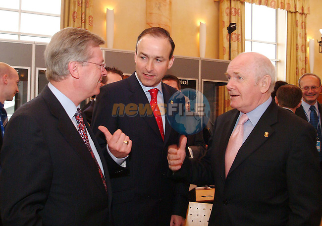 Attending the EU Health Ministers meeting at Rochestown Park Hotel Cork, are; EU Commisioner David Byrne, Micheal Martin TD President of EU Health Ministers Council, and John Reid UK Health Secretary. Photo Donagh Glavin/John Sheehan Photography