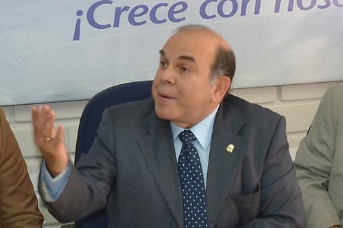 Pelegrín no niega corrupción, pero dice que también participan extranjeros
