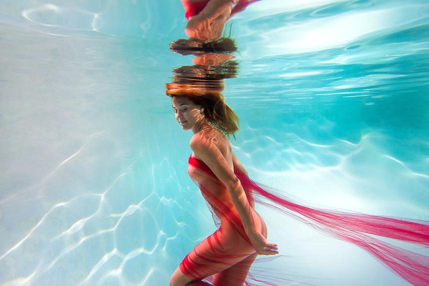 lifestyle nude figure women health body figure water summer