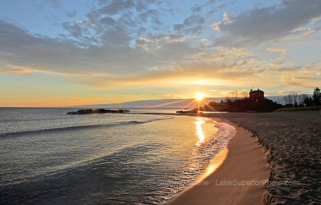 Lake Superior photos, pictures, images, Upper Peninsula of Michigan lighthouses in the Upper Peninsula of Michigan