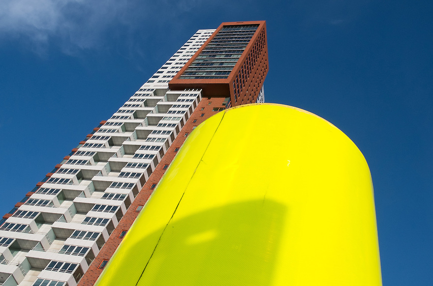Nederland, Rotterdam, 12 jan 2014<br /> Kop van Zuid, hoge woonflat Montevideo. <br /> <br /> Foto: Michiel Wijnbergh