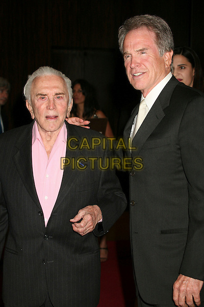 KIRK DOUGLAS & WAREN BEATTY .Juvenile Diabetes Research Foundation's Annual Gala 2007 at the Beverly Hilton Hotel, Beverly Hills, California, USA..May 24th, 2007.half length black suit jacket .CAP/ADM/BP.©Byron Purvis/AdMedia/Capital Pictures