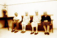 L'estate e gli anziani. Summertime and the elderly....