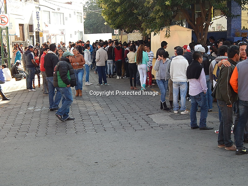 61AACO11......11 DE DICIEMBRE DE 2013.......DETECTAN 5 FIESTAS AFTERS EN SAN JUAN DEL RIO.....FOTOS ILUSTRATIVAS EDUARDO TREJO