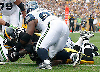PITTSBURGH - SEPTEMBER 18:  Rashard Mendenhall #34 of the Pittsburgh Steelers runs into the endzone for a touchdown in the first half against the Seattle Seahawks during the game on September 18, 2011 at Heinz Field in Pittsburgh, Pennsylvania.  (Photo by Jared Wickerham/Getty Images)