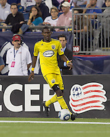 Columbus Crew defender Shaun Francis (29) at midfield. The New England Revolution tied Columbus Crew, 2-2, at Gillette Stadium on September 25, 2010.