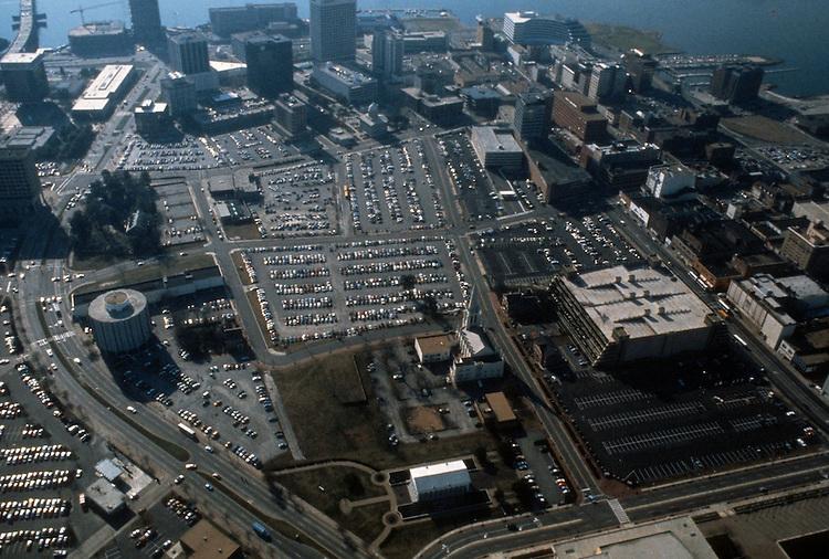 1986 June ..Redevelopment..Macarthur Center.Downtown North (R-8)..LOOKING SOUTH...NEG#.NRHA#..
