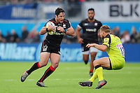 Brad Barritt of Saracens in possession. Aviva Premiership match, between Saracens and Leicester Tigers on October 29, 2016 at Allianz Park in London, England. Photo by: Patrick Khachfe / JMP