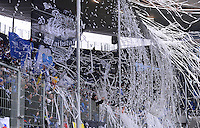 FUSSBALL   1. BUNDESLIGA  SAISON 2012/2013   15. Spieltag TSG 1899 Hoffenheim - SV Werder Bremen    02.12.2012 TSG 1899 Hoffenheim Fans werfen Luftschlangen und Papierschnipsel auf das Spielfeld