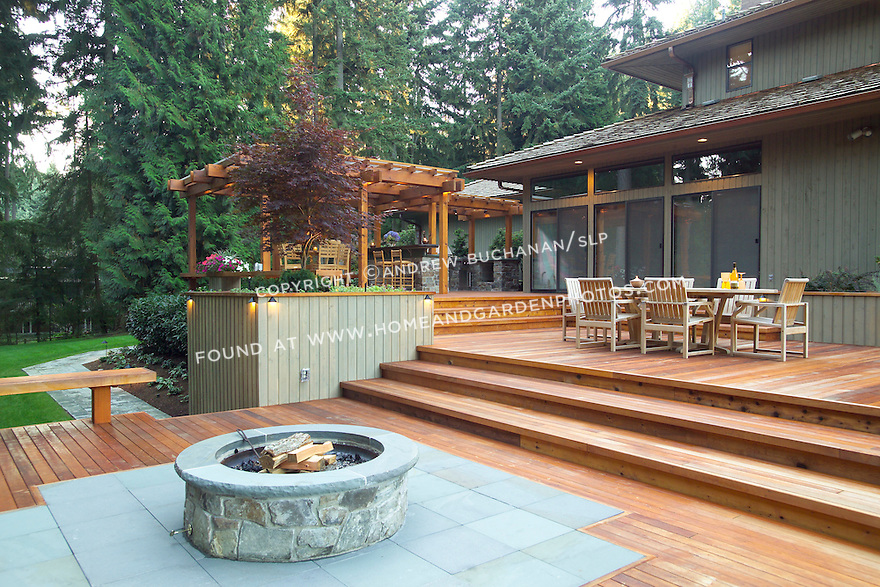 A deck made for outdoor entertaining for Outdoor kitchen deck plans
