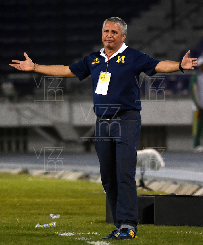 BARRANQUILLA  -COLOMBIA, 2-FEBRERO-2015. Adolfo Holguin director tecnico  de Alianza Petrolera durante partido contra Uniautonoma  por la fecha 1 de la Liga &ccedil;guila I 2015 jugado en el estadio Metropolitano  de la ciudad de Barranquilla./ Adolfo Holguin coach of Alianza Petrolera   during the match against Uniautonoma  for the first date of the Aguila League I 2015 played at Metropolitano  stadium in Barranquilla city<br />  . Photo / VizzorImage / Alfonso Cervantes / Stringer
