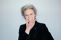 Barbara Alberti è nata in Umbria, fra angeli e diavoli. E' grata alla pessima educazione cattolica, cui deve la sua ispirazione (nel primo romanzo, Memorie ... Barbara Alberti (Umbertide, 11 aprile 1943) è una scrittrice, giornalista e sceneggiatrice italiana. Tempo di libri, Milano 20 aprile 2017. © Leonardo Cendamo