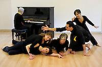 Il Metodo Dalcroze.Educazione musicale con il Metodo Dalcroze consiste nel mettere in relazione i movimenti naturali del corpo, il linguaggio musicale e le facolt&agrave; di immaginazione e di riflessione.<br /> L&rsquo;AIJD, Associazione Italiana Jaques-Dalcroze, &egrave; l&rsquo;associazione culturale che si occupa di promuovere e diffondere il metodo in Italia.<br /> The Dalcroze method. Music Education with the Dalcroze Method consists in linking the natural movements of the body, the language of music and the faculties of imagination and reflection. <br /> The AIJD, the Italian Association of Jaques-Dalcroze, is the cultural association that works to promote and disseminate the method in Italy.