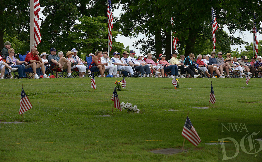 NWA Democrat-Gazette/BEN GOFF @NWABENGOFF<br /> Guests listen to speakers on Monday May 30, 2016 during the Memorial Day program presented by American Legion Post 341 at Bella Vista Memorial Garden Cemetery.