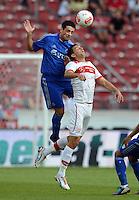 Fussball Europa League Play Offs:  Saison   2012/2013     VfB Stuttgart - Dynamo Moskau  22.08.2012 Leandro Fernandez (li, Dynamo Moskau) gegen Vedad Ibisevic (VfB Stuttgart)