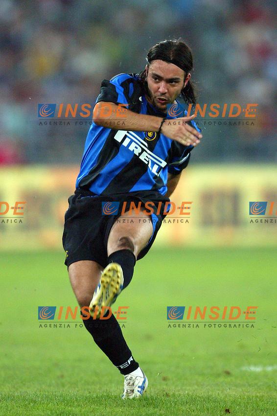 Bari 3/8/2004 Trofeo Birra Moretti - Juventus Inter Palermo. <br /> Alvaro Recoba Inter <br /> Risultati / results (gare da 45 min. each game 45 min.) <br /> Juventus - Inter 1-0 Palermo - Inter 2-1 Juventus b. Palermo dopo/after shoot out <br /> Photo Andrea Staccioli