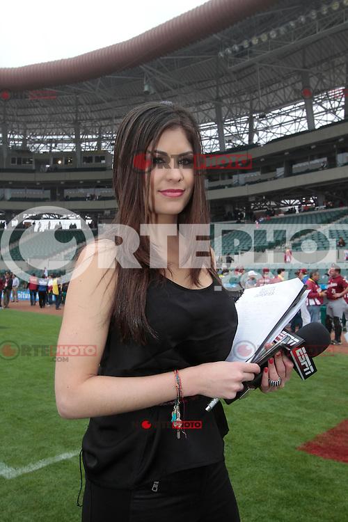 Ximena Sarinana Nude Photos 67
