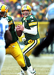 (2007)-Green Bay Packers' Brett Favre looks for receivers before throwing a 13-yard pass to Brandon Jackson in the 1st quarter. .The Green Bay Packers hosted the Detroit Lions at Lambeau Field Sunday December 30, 2007. Steve Apps-State Journal.