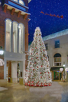 Beverly Hills CA,  Xmas Tree, Via Rodeo, One Rodeo, Lighted; Santa, Reindeer's, fantastic; Christmas; Light Display; , Vertical image