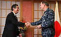 ICHIGAYA, Japan (April 11, 2011) Japan Minister of Foreign Affairs, Takeaki Matsumoto, left, presents a farewell gift to Adm. Patrick M. Walsh, Commander, Joint Support Force, for U.S. military support to Operation Tomodachi.  (Photo by U.S. Navy/AFLO) [0006]