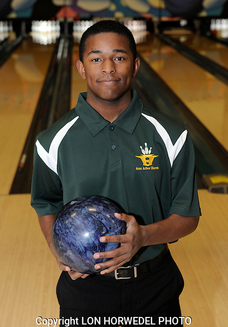 Huron High School boy's bowling team.
