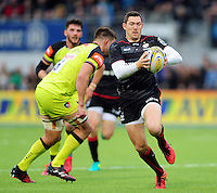 Alex Goode of Saracens in possession. Aviva Premiership match, between Saracens and Leicester Tigers on October 29, 2016 at Allianz Park in London, England. Photo by: Patrick Khachfe / JMP