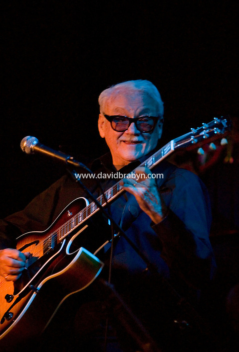 Belgian harmonicist, guitarist and whistler Jean &quot;Toots&quot; Thielemans performs at the Blue Note jazz club in New York City, USA, 29 November 2004.<br />
