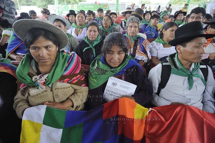 Messico,Cancun6  Dicembre 2010.Forum alternativo per la Vita  e la giustizia ambientale e sociale.La delegazione Boliviana..Mexico, CancunForum of  Via Campesina against COP 16 in Cancun