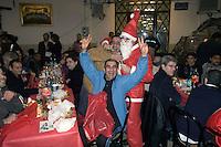 Roma 26 Dicembre 2009..La comunità di Sant'Egido festeggia il Natale al Carcere di  Regina Coeli portando doni ed un pranzo speciale offerto a  100 detenuti