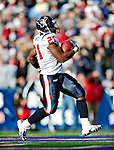 1 November 2009: Houston Texans' running back Ryan Moats scores a third quarter touchdown to take the lead from the Buffalo Bills at Ralph Wilson Stadium in Orchard Park, New York, United States of America. The Texans defeated the Bills 31-10. Mandatory Credit: Ed Wolfstein Photo