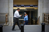 USA. New York. Wall Street and the New York Stock Exchange on the day when shares plummeted after the US Government failed to reach an agreement to bail out the country's ailing financial institutions with up to $700 billion of taxpayer's money..Photos©Steve Forrest/Workers Photos