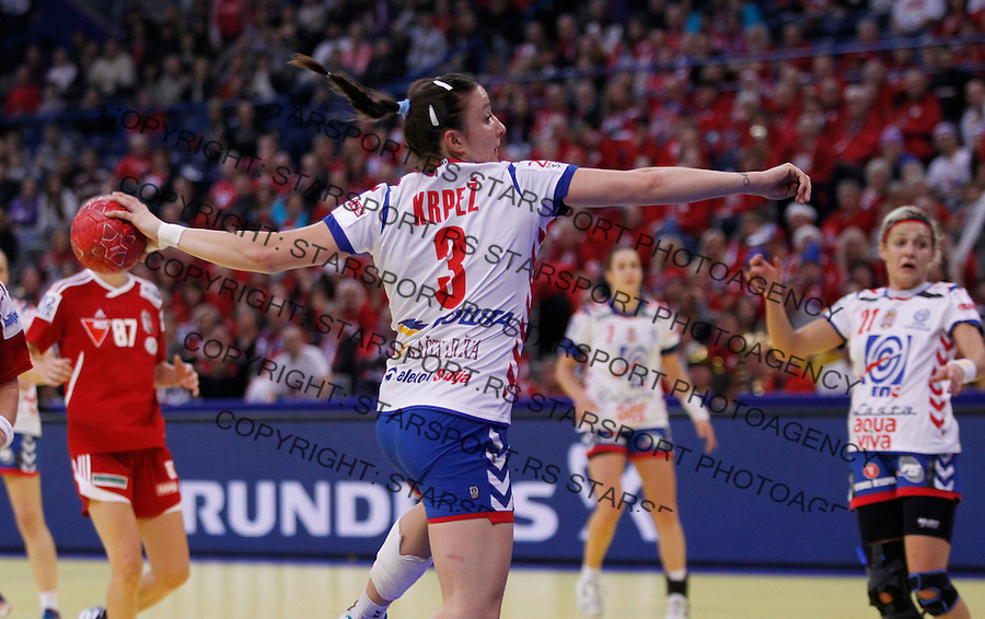 BELGRADE, SERBIA 16/12/2012/ Katarina Krpez of Serbia in action during Women`s European Handball Championship match for bronze medal between Hungary and Serbia in Kombank arena in Belgrade, Serbia on  December 16, 2012 Credit: PEDJA MILOSAVLJEVIC/SIPA/