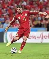 FUSSBALL WM 2014  VORRUNDE    Gruppe B     Spanien - Chile                           18.06.2014 Sergio Ramos (Spanien) am Ball