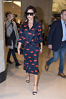 Victoria Beckham turns up to her store in the Landmark Building Hong Kong to do a Facebook live to her fans with Divia Harilela on May 14, 2017 in Hong Kong. | Verwendung weltweit/picture alliance /MediaPunch ***FOR USA ONLY***