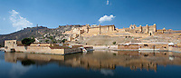 The Amber Fort a Rajput fort built 16th Century and Jaigarh Fort behind in Jaipur, Rajasthan, Northern India RESERVED USE - NOT FOR DOWNLOAD -  FOR USE CONTACT TIM GRAHAM
