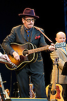 English singer/songwriter Elvis Costello plays to a near-capacity crowd, Monday, Aug. 24, 2009, at the Stanley Park Marion Malkin Memorial Bowl in Vancouver. (Scott Alexander/pressphotointl.com)