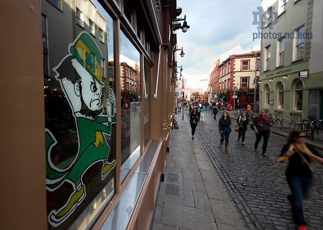 Aug. 30, 2012; Temple Bar, Dublin, Ireland..Photo by Matt Cashore/University of Notre Dame