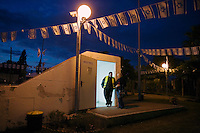 Sderot, Israel Jan 4, 2009.Israeli civilians in Sderot have just a few seconds to take refuge into a concrete bomb shelter when a Palestinian rocket launch has been detected. Nine days into the Israeli military operation, more than 40 rockets have been fired today from Gaza to the south of Israel, usually causing only materail damage but terrifying the population.