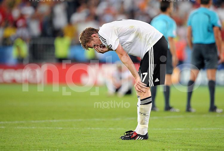 FUSSBALL EUROPAMEISTERSCHAFT 2008  Deutschland 0-1  Spanien    29.06.2008 Enttaeuschung GER, Per Mertesacker nach dem Schlusspfiff