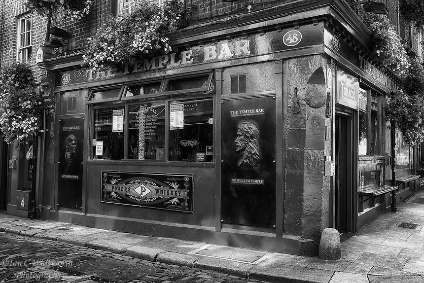 temple bar marina black personals Browse our temple bar marina personal ads, send an email and start a relationship with your match a picture is worth a thousand clicks â upload your personal photo to your free temple bar marina personals ad today.