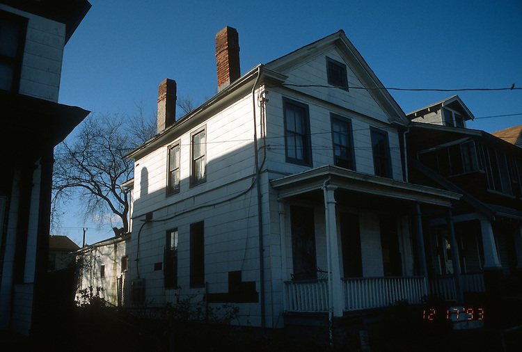 1993 December 17..Conservation.Park Place..ACQUISITION.303 WEST 27TH STREET...NEG#.NRHA#..