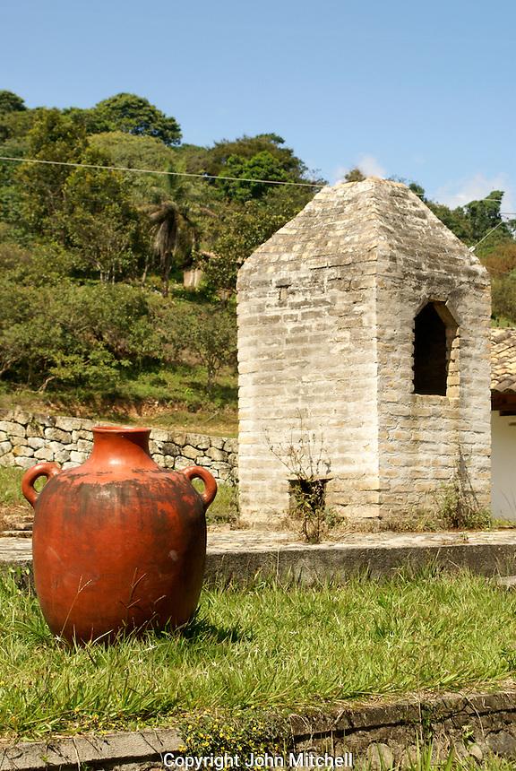 Lenca vase and pottery oven at La Escuelona interpretation center in the Lenca Indian village of La Campa, Lempira, Honduras...