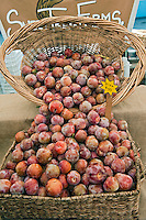 Fresh Fruit, Plums, Produce, Farmers Market, Urban, Farm-fresh produce, fruits