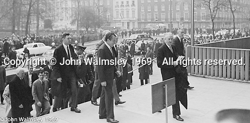 US President Richard M Nixon arrives at the US Embassy in Grosvenor Square, London.  27th February 1969.