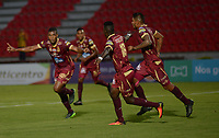 IBAGUÉ -COLOMBIA, 19-03-2017. Danovis Banguero jugador del Deportes Tolima celebra después de anotar un gol a Atletico Huila durante partido por la fecha 10 de la Liga Águila I 2017 jugado en el estadio Manuel Murillo Toro de Ibagué. / Danovis Banguero player of Deportes Tolima celebrates after scoring a goal to Atletico Huila during match for date 10 of the Aguila League I 2017 played at Manuel Murillo Toro stadium in Ibague city. Photo: VizzorImage / Juan Carlos Escobar / Cont