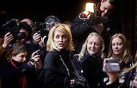 Oslo, 20061210. Nobel Fredspris, utdeling i Oslo RaA?a?dhus. Sharon Stone ankommer.